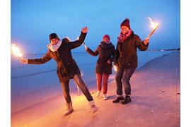 Fackelwanderung am Winterstrand © TALB