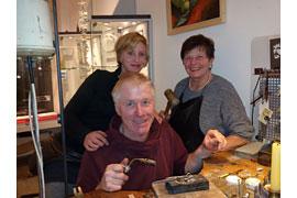 Jana Nitsch mit ihren Eltern Detlef Nitsch und Angela Olschina-Nitsch © Julia Jankowsky