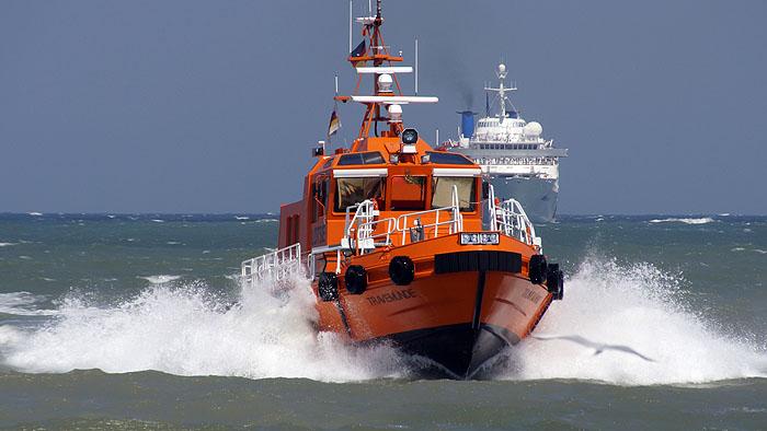 """Lotzenboot """"Travemünde """" nach Einsatz in Lübecker Bucht © TraveMedia"""