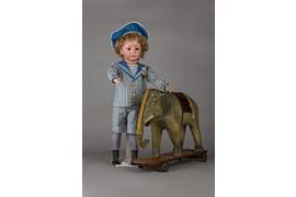 Puppe - St. Annen Museum © Sammlung Müller-Albrecht - Foto Ulf-Kersten Neelsen