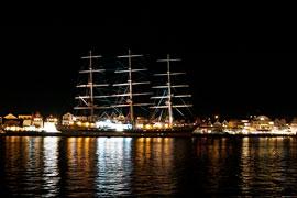 Segelschulschiff Mir in Travemünde