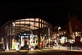 Weihnachtsmarkt im Kreuzfahrtterminal in Lübeck-Travemünde