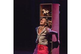CAVEWOMAN - Ramona Krönke - Theater Mogul © Kai Heimberg