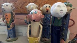 Keramikfiguren aus dem Oldenburger TalenteHaus © Die Ostholsteiner