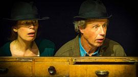 theater 3 hasen oben - Daumendick © Armin Zarbock
