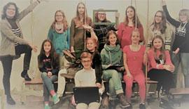 Jugendtheatergruppe und Jugendchor der Kirchengemeinde Scharbeutz