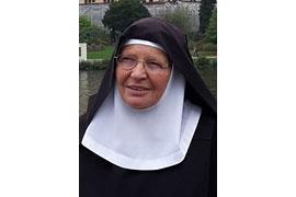 Schwester Veronika Scharnberg OSB aus der Benediktinerinnenabtei Burg Dinklage