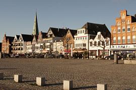 Fährplatz an der Auto-Priwallfähre Travemünde