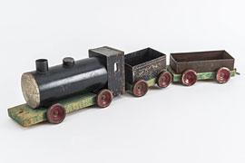 Spielzeugeisenbahn vermutlich aus Patronenschachteln © Olaf Malzahn