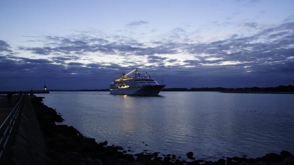 MS Hamburg in Travemünde 2021 © TraveMedia